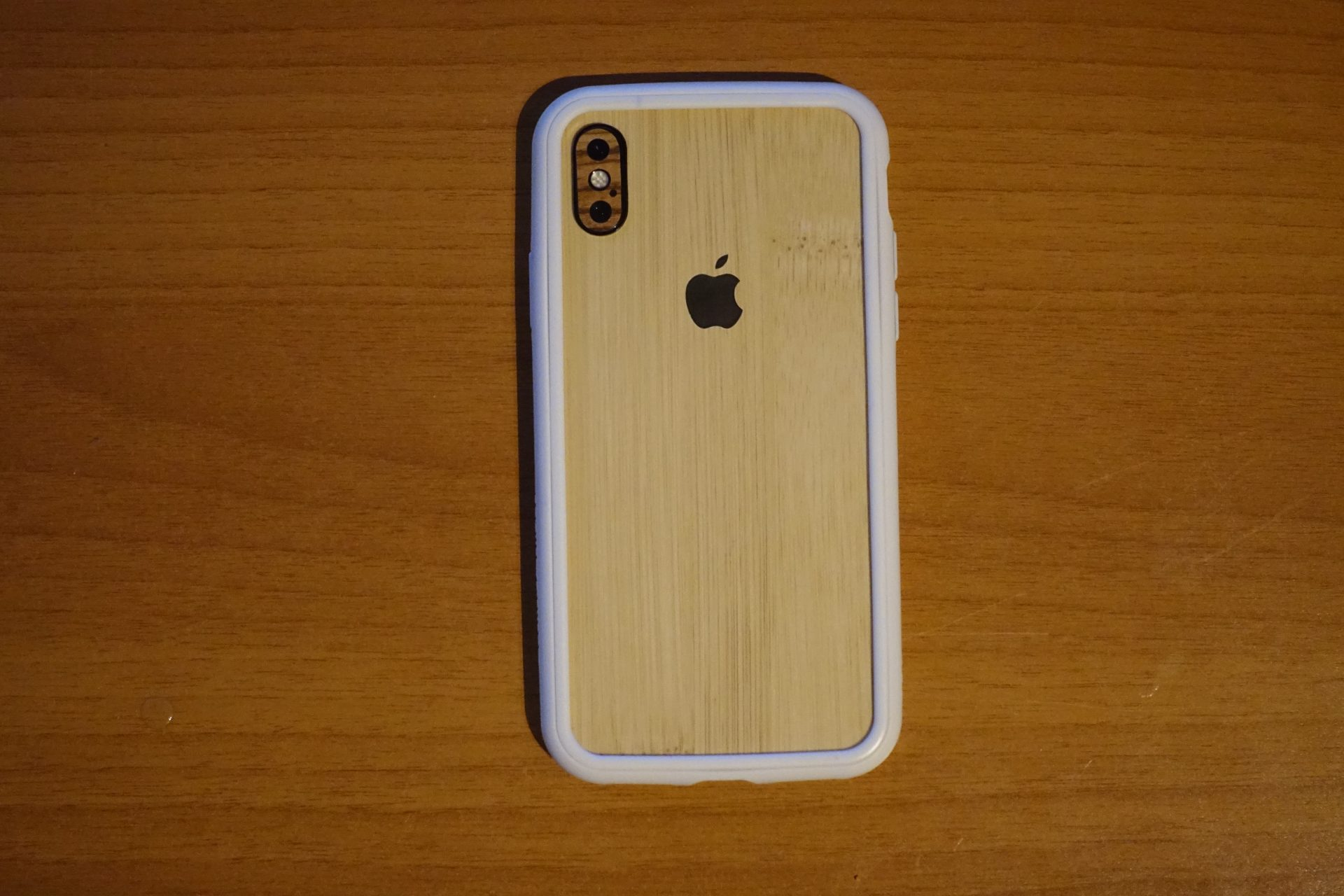 iphone-x-bamboo